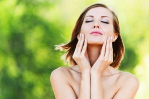Aromaterapeutyczny masaż twarzy