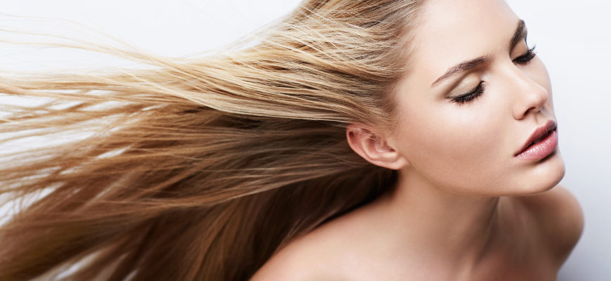 Naturalne sposoby na siwienie włosów
