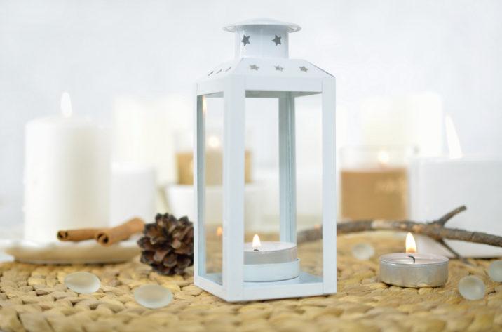 Biała latarenka