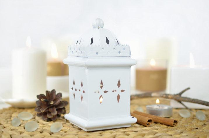 Biały indyjski lampion