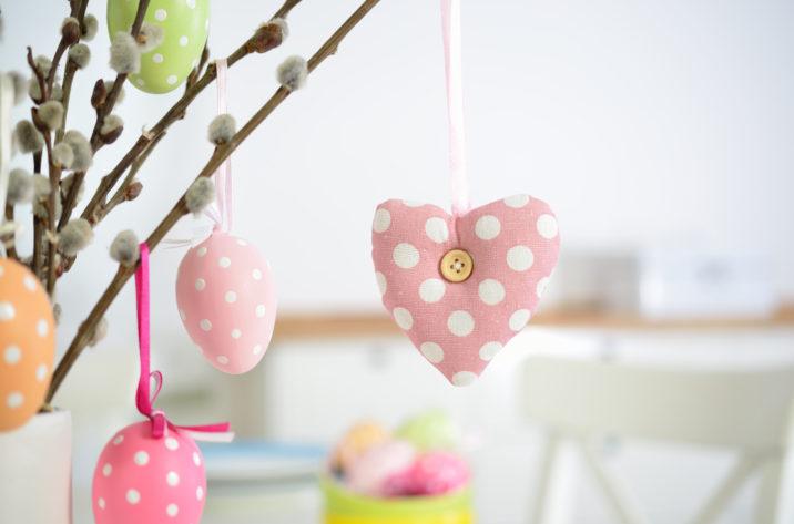 Zawieszka serce - wiosenna dekoracja
