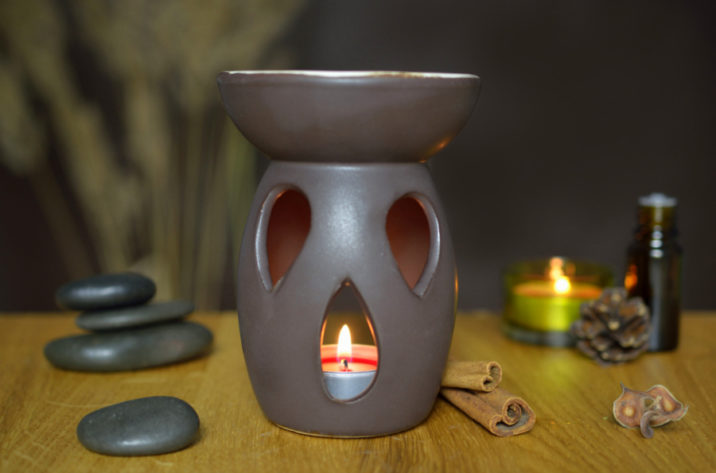 kominek do aromaterapii czarny