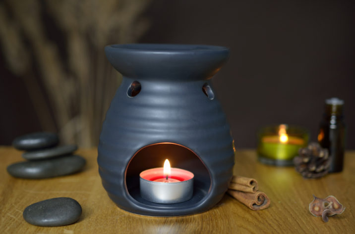 Kominek do aromaterapii - czarny