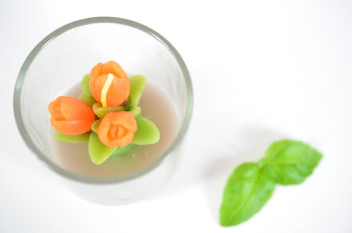 Świeczka w szkle – pomarańczowe tulipany