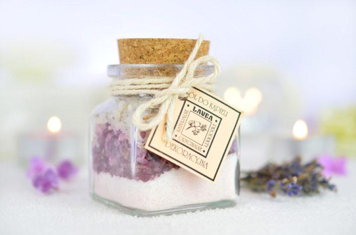 Dekoracyjna sól do kąpieli kwiatowa