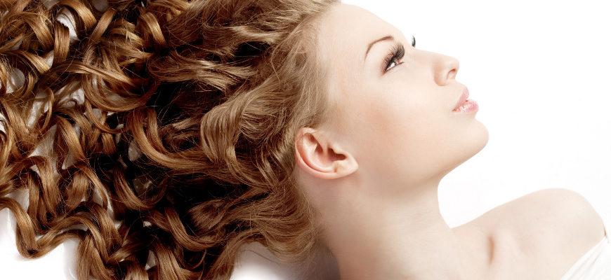 Naturalne sposoby na wzmocnienie włosów