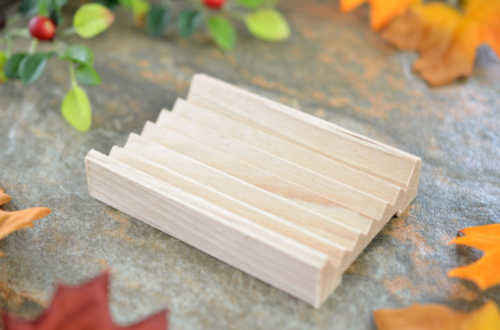 mydelniczka z drewna bukowego