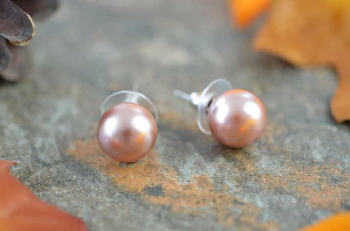 kolczyki wkrętki perłowy brąz
