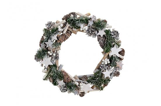 Bożonarodzeniowy wieniec z szyszkami