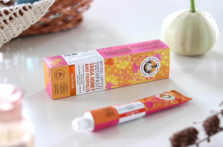 Naturalna pasta do zębów z miodem i propolisem