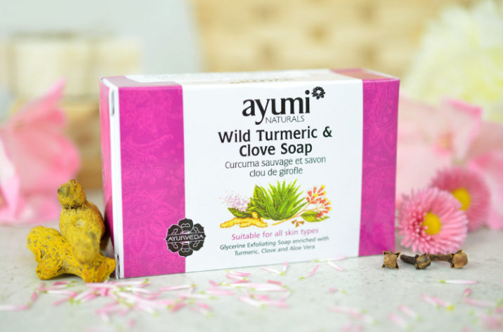 Glicerynowe mydełko peelingujące z kurkumą, goździkiem i aloesem