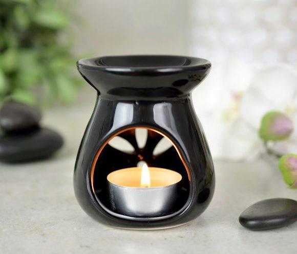 Kominek do aromaterapii Flower – czarny