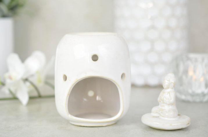 Kominek do aromaterapii Budda - biały