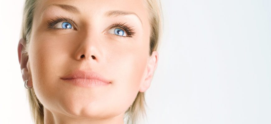 Jak wzmocnić osłabione brwi i rzęsy