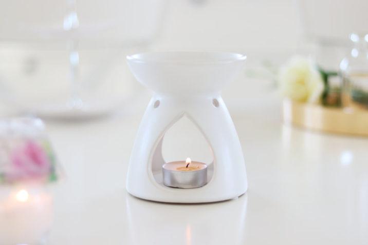 Kominek na woski i olejki Simple Style – biały