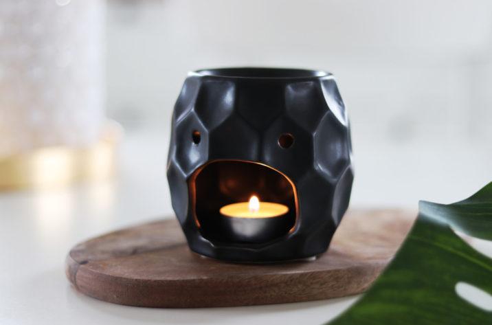 Kominek do aromaterapii Salvadore - czarny