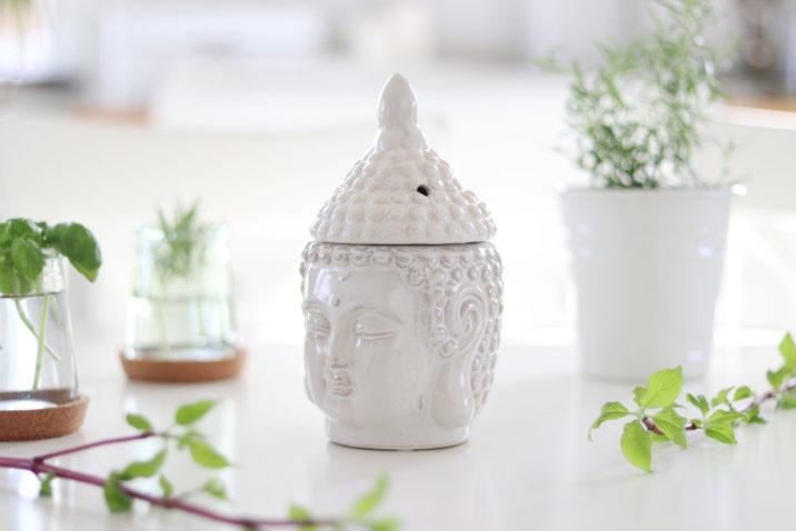 Kominek do aromaterapii Dharma – kremowy