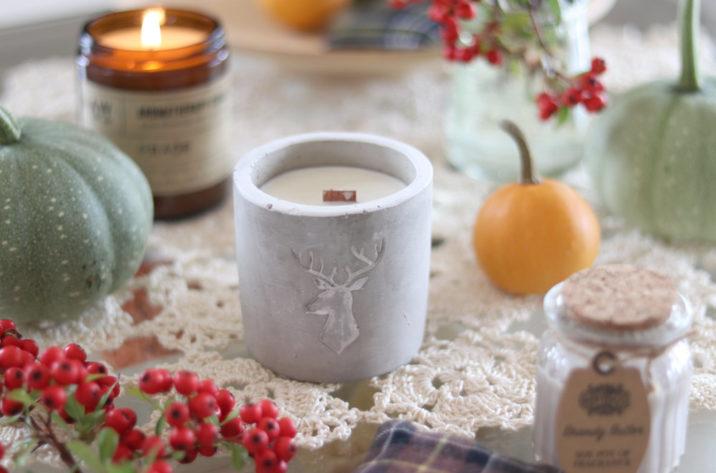 Sojowa świeca zapachowa w betonie Whiskey & Woodsmoke